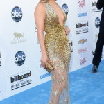 Jennifer Lopez en robe dorée Zuhair Murad aux Billboard Music Awards 2013