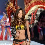 lily-aldridge-au-victorias-secret-fashion-show