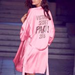 sara-sampaio-pour-la-promo-du-defile-victorias-secret-2016-a-paris