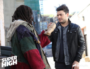 Quand Kev Adams rencontre Kanye East dans SUPER HIGH