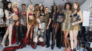 Balmain x Victoria's secret fashion show à Shangai